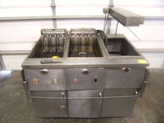 Wells 2 Well Fryer With Heat Lamp SF 1725 Electric 230V