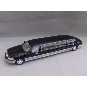 24 Scale Diecast 2003 Lincoln Limousine in Color BLACK Toys & Games