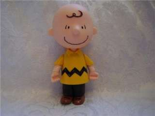 2004 CHARLIE BROWN Peanuts Gang Plastic 5 Action Figure Toy Doll