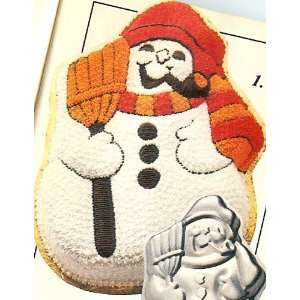 and Pipe Christmas Holiday Cake Pan (502 1646, 1980)