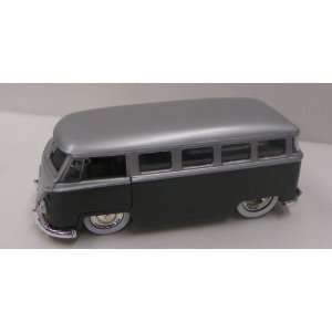 Jada Toys 1/32 Scale Diecast Dub City Series 1962 Vw Bus