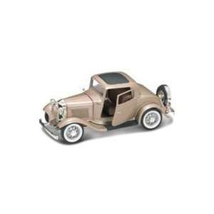 1932 Ford 3 Window Coupe Gold 118 Diecast Car Model Toys