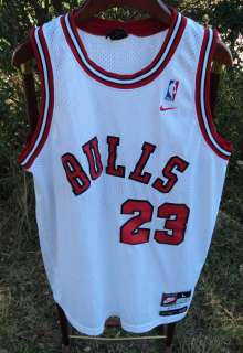 Michael Jordan Chicago Bulls Nike 1984 Throwback Jersey size Large